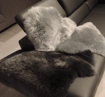 lanamed premium lammfelle grau schwarz superweich geruchsarm. Black Bedroom Furniture Sets. Home Design Ideas